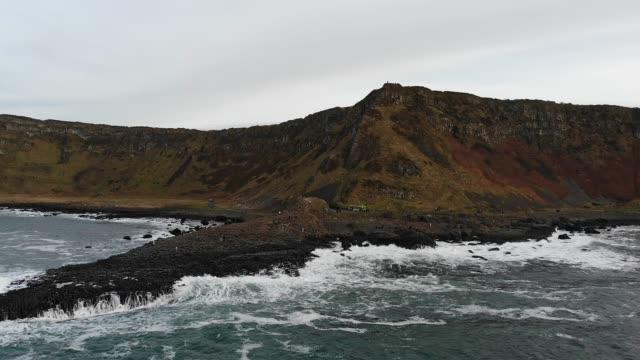 vídeos y material grabado en eventos de stock de calzada de los gigantes irlanda del norte - basalto