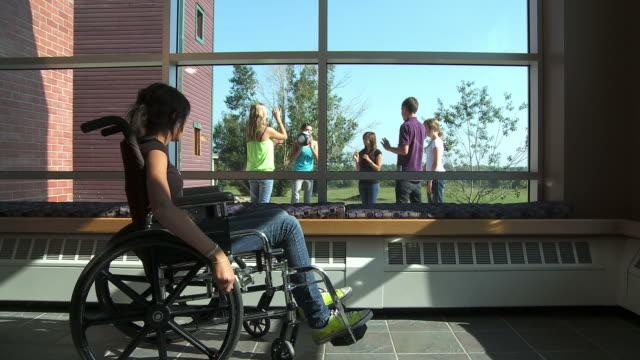 HD :Girl 、車椅子 ビデオ