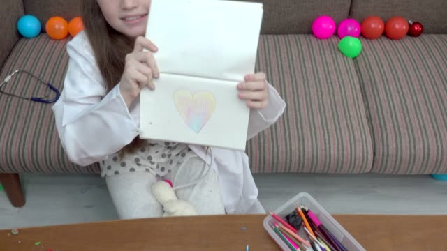 Girl Play Drawing Heart video