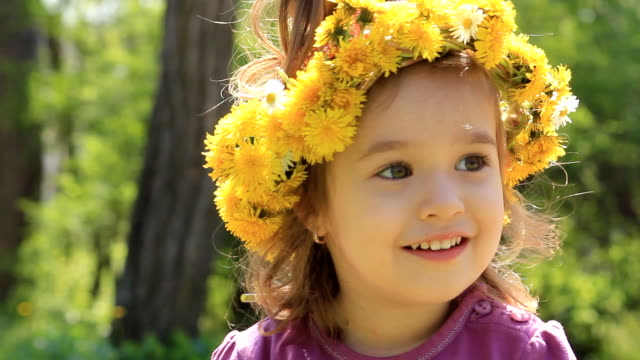 Girl with wreath video