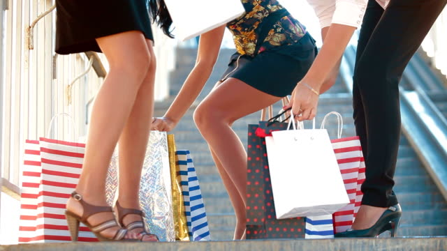 Girls Shopping video
