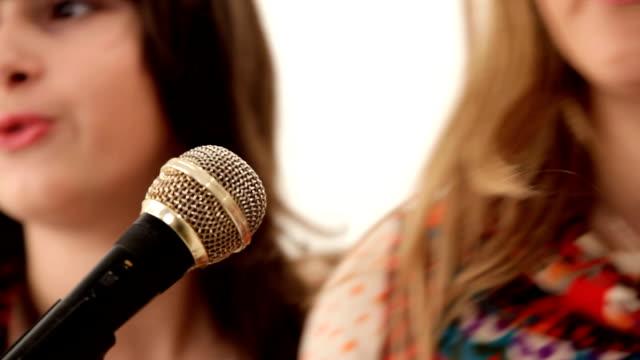 Girls singing video
