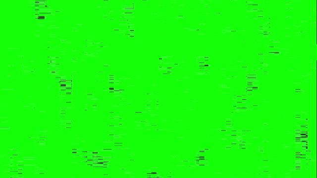 glitch effect on green screen, tv interference and broadcast failure - проблемы стоковые видео и кадры b-roll