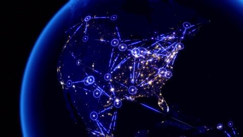comunicazioni globali attraverso la rete di connessioni sul nord america. - carta geografica video stock e b–roll