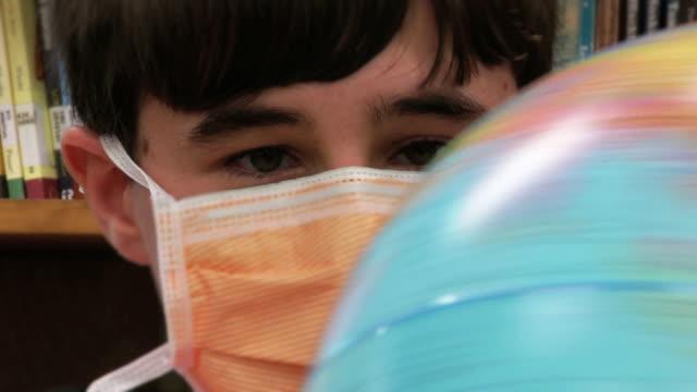 global sickness - bordsjordglob bildbanksvideor och videomaterial från bakom kulisserna