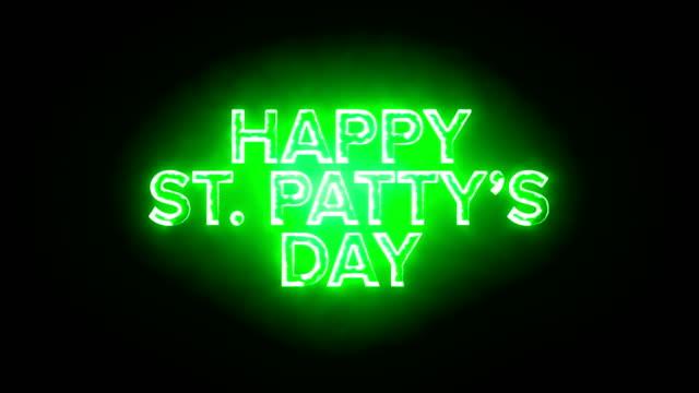 vídeos y material grabado en eventos de stock de texto que brilla intensamente verde feliz san patricio día antecedentes comerciales - día de san patricio