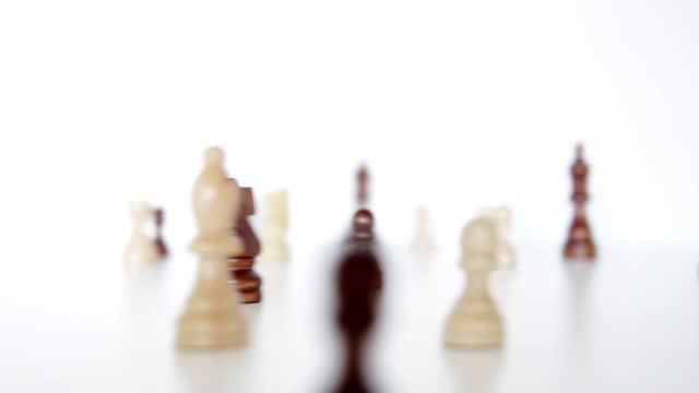 zum erfolg - könig schachfigur stock-videos und b-roll-filmmaterial