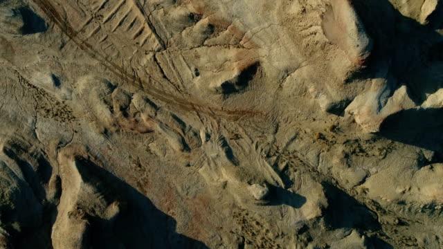 vídeos y material grabado en eventos de stock de vista aérea del desierto de gobi - diseño natural