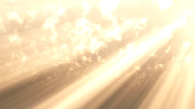 dio raggi di luce nel cielo - paradiso video stock e b–roll
