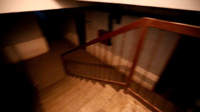 att gå ner till kusliga källare - trappa bildbanksvideor och videomaterial från bakom kulisserna