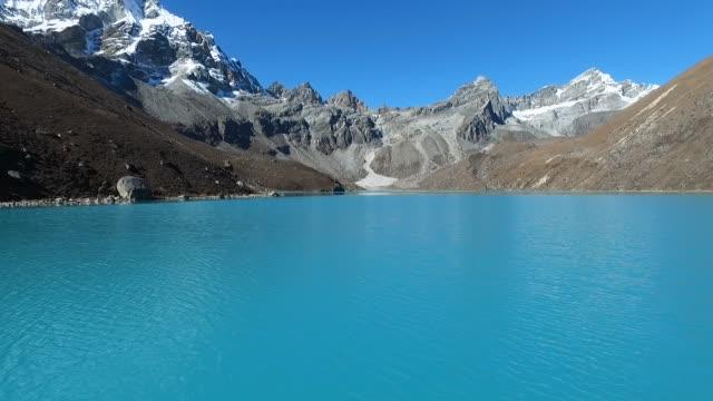 ヒマラヤ gokyo 湖 - ネパール点の映像素材/bロール