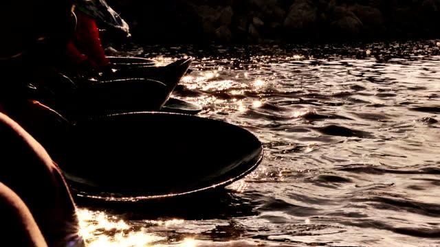 goldwaschen in thailand nahaufnahme - gold waschen stock-videos und b-roll-filmmaterial