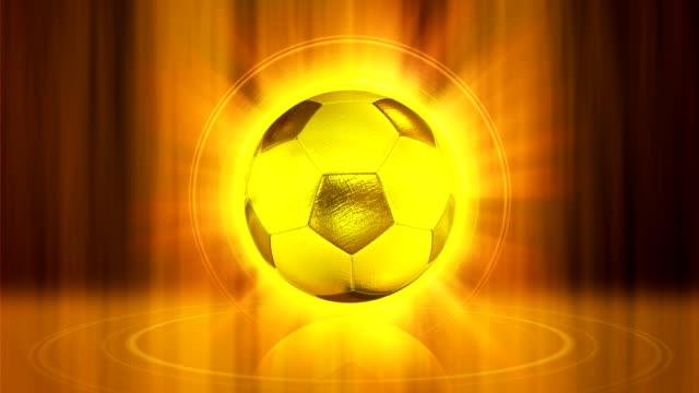 vídeos de stock e filmes b-roll de bola de futebol de ouro - ronaldo