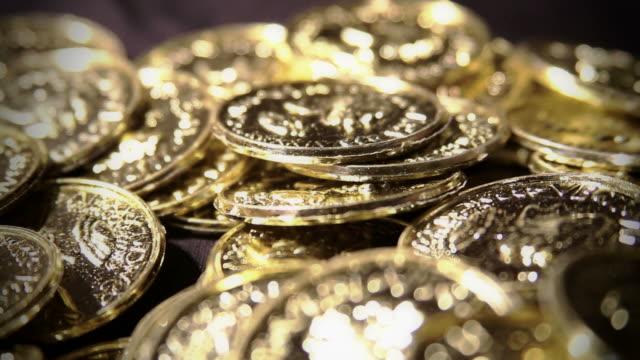 gold schatz - inflation stock-videos und b-roll-filmmaterial