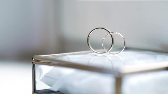 Gold wedding rings video