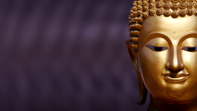 vídeos de stock, filmes e b-roll de estátua buda dourada perto acima, panning - ano novo budista