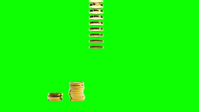 золотые монеты на уровнях.  greenscreen. - монета стоковые видео и кадры b-roll