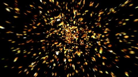goldene konfetti party popper explosionen - konfetti stock-videos und b-roll-filmmaterial