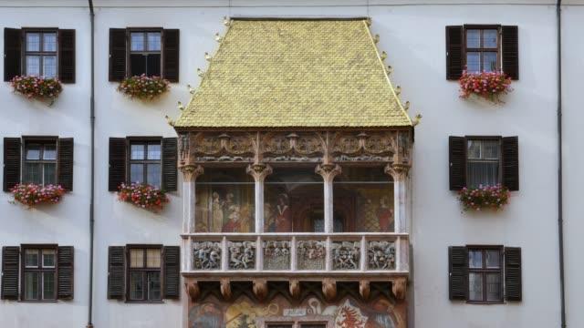 Golden Dachl in Innsbruck, Austria Goldenes Dachl or Golden Roof, late Gothic representative balcony, historic town centre of Innsbruck, Innsbruck, Tyrol, Austria, Europe bay window stock videos & royalty-free footage