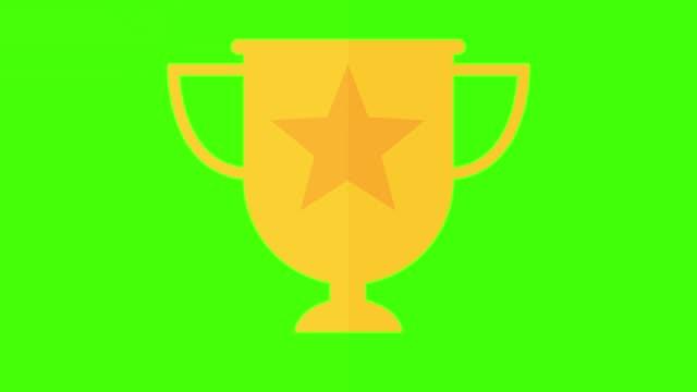 vídeos de stock, filmes e b-roll de dourado conceito troféu vencedor, dentro e fora da tela de animação verde keyable - troféu