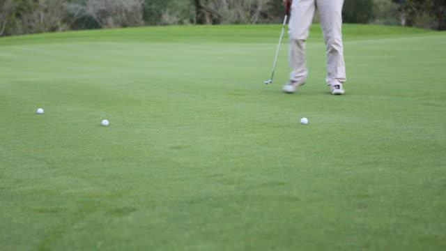 Golfer practising video
