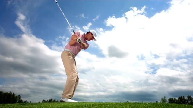 hd-zeitlupe: golfen mit bügeleisen auf dem fairway - golf stock-videos und b-roll-filmmaterial