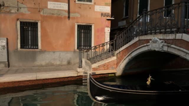 Gondola in Venice, Italy video