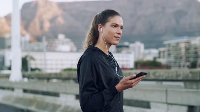 god hälsa är en livslång resa - listen bildbanksvideor och videomaterial från bakom kulisserna