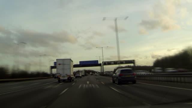 gopro timelapse jazdy z autostrady - droga wielopasmowa filmów i materiałów b-roll