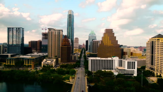 Gorgeous Sunset high above Downtown Austin Cityscape with Texas State Capitol views aerial drone views high above Congress avenue Bridge views Spring time 2020 - Gorgeous Sunset high above Downtown Austin Cityscape with Texas State Capitol views avenue stock videos & royalty-free footage