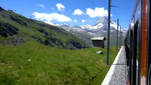 stockvideo's en b-roll-footage met gornergrat trein en matterhorn-2 clips - wallis