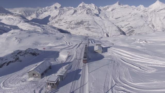 stockvideo's en b-roll-footage met gornergratbahn im winter - zermatt