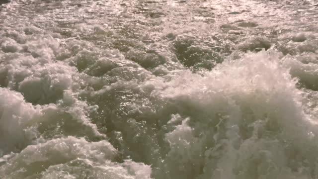 vídeos de stock e filmes b-roll de gothenburg archipelago from wake of ferry - arquipélago