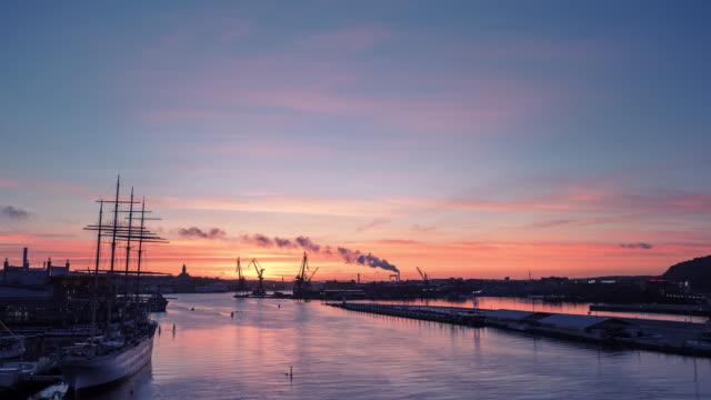 göteborg hamnen sunset i sverige - gothenburg bildbanksvideor och videomaterial från bakom kulisserna