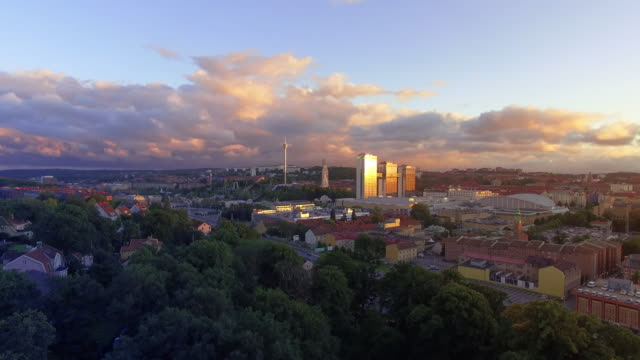 göteborg sverige flygfoto över staden i solnedgång - gothenburg bildbanksvideor och videomaterial från bakom kulisserna