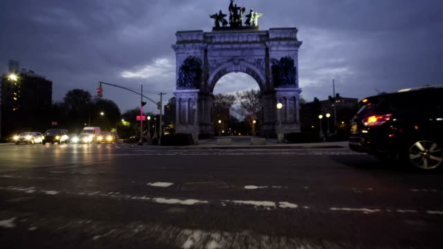 59 th Street Plaza Brooklyn Eröffnungsszene – Video