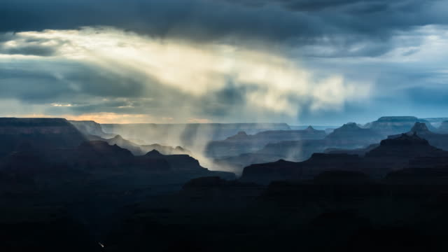 grand canyon niederschlag timelapse - grand canyon stock-videos und b-roll-filmmaterial