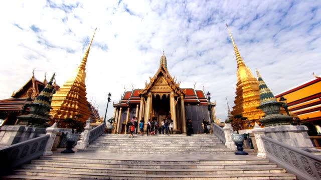 grand palace hyperlapse, bangkok, tayland - bangkok stok videoları ve detay görüntü çekimi