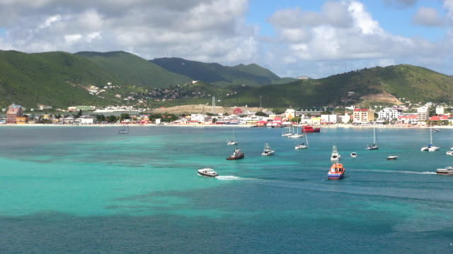great bay - sint maarten, netherlands antilles - philipsburg saint martin olandese video stock e b–roll