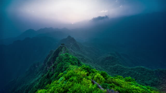Great Wall in the mist 4K time lapse video