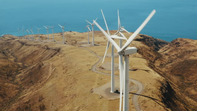vídeos y material grabado en eventos de stock de revolución de la energía verde - turbina