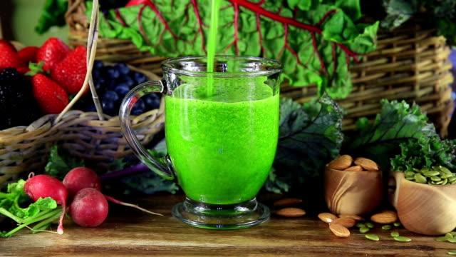 Vert jus de fruits - Vidéo