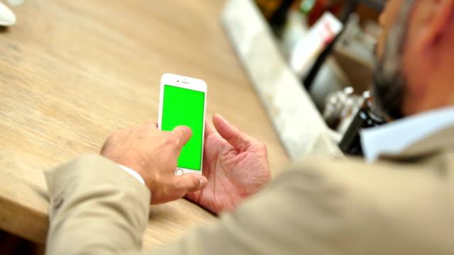 Green Screen Handheld Smartphone video