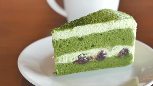 hd green tea cakes - kek dilimi stok videoları ve detay görüntü çekimi