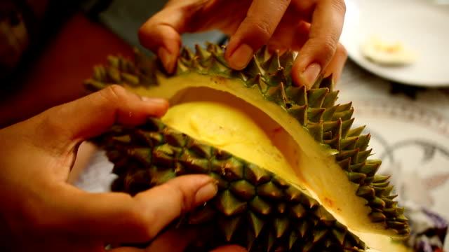 Greengrocer peel durian fruit video