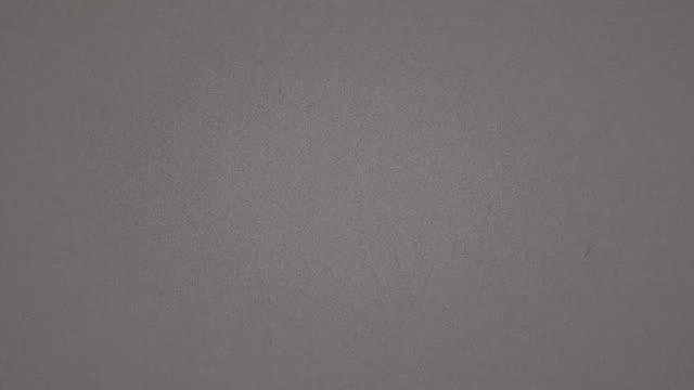 grey realistic flickering, analog vintage tv signal with bad interference, static noise background - analogiczny filmów i materiałów b-roll