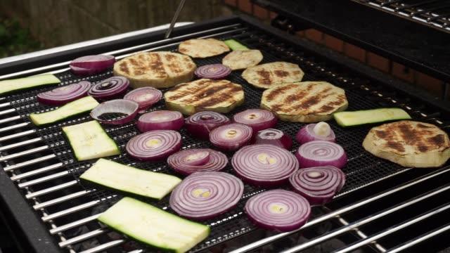 vídeos y material grabado en eventos de stock de verduras a la plancha - vegana