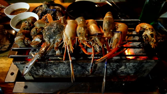 grill fresh seafood with prawn shrimp shell and crab video