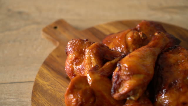 grilled and barbecue chicken grilled and barbecue chicken animal wing stock videos & royalty-free footage