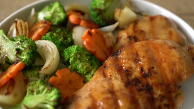 grilled chicken breast steak with vegetable grilled chicken breast steak with vegetable fillet stock videos & royalty-free footage